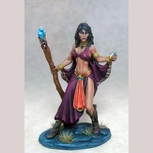 DSM7304 Female Mage with Staff