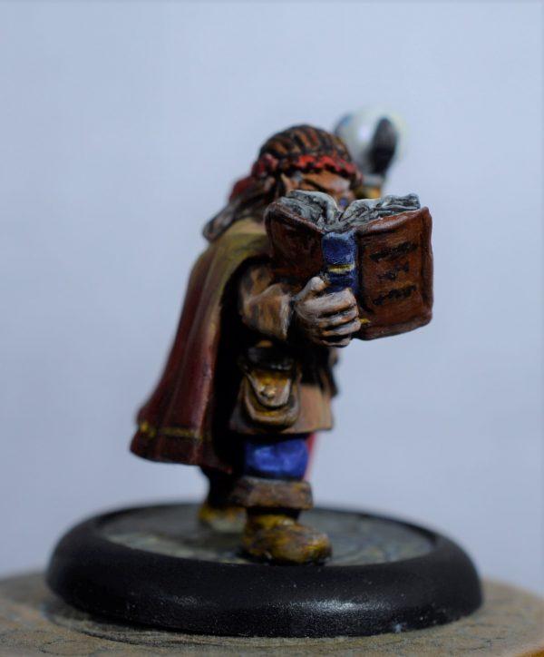 MH116 Female Dwarf Wizard 1