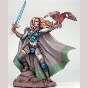 DSM7409 : Female Ranger with Falcon