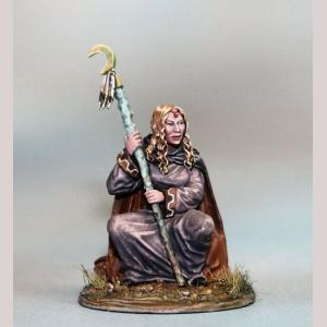 DSM7384 Sitting Female Mage