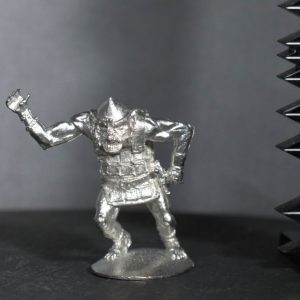 TMM88502 Heavy Goblin in Banded Plate Armour